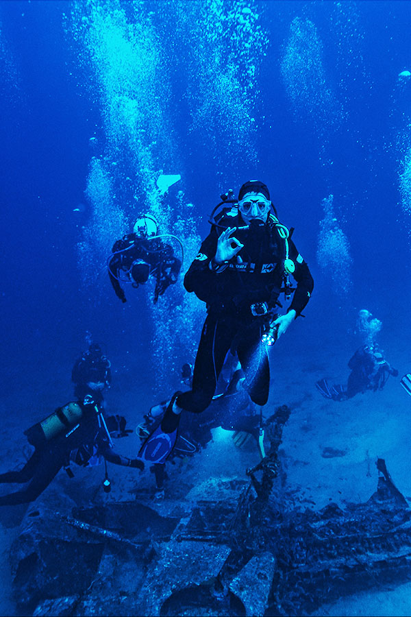 scuba diving, luxury scuba vacations